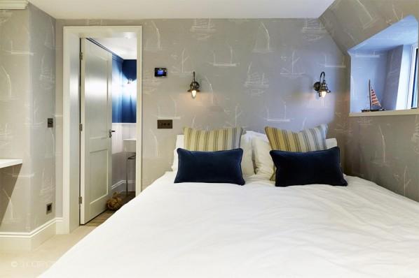 Houseboat Bedroom