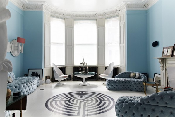 BLUE LIVINGROOM WHITE PAINTED FLOOR