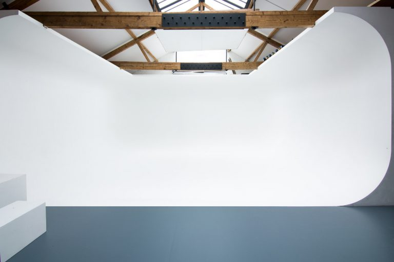 Photography Studio with Natural Light - Cove Studio - Shootfactory