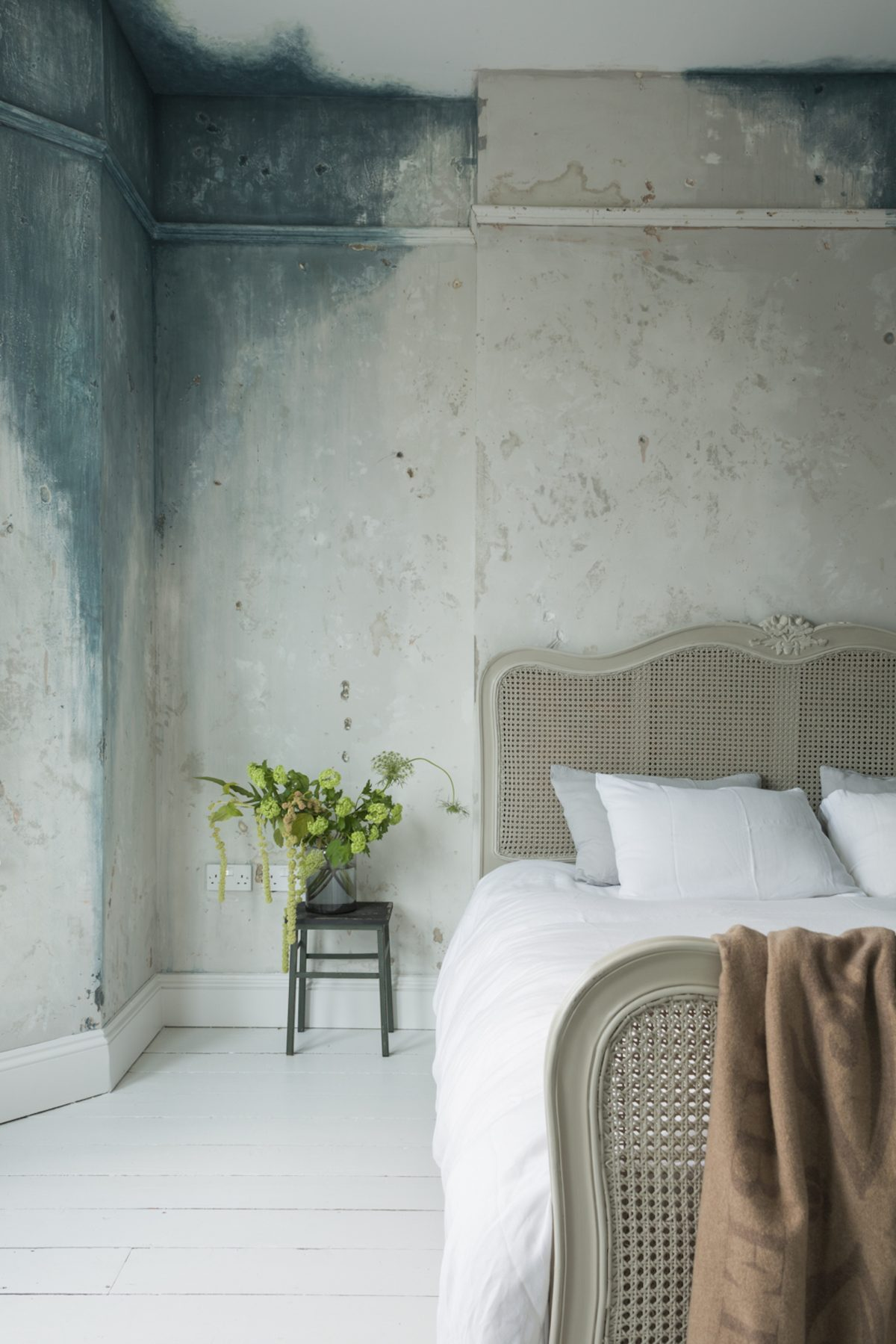 Kempe SW16 - flooded bedroom - london houses - shootfactory location