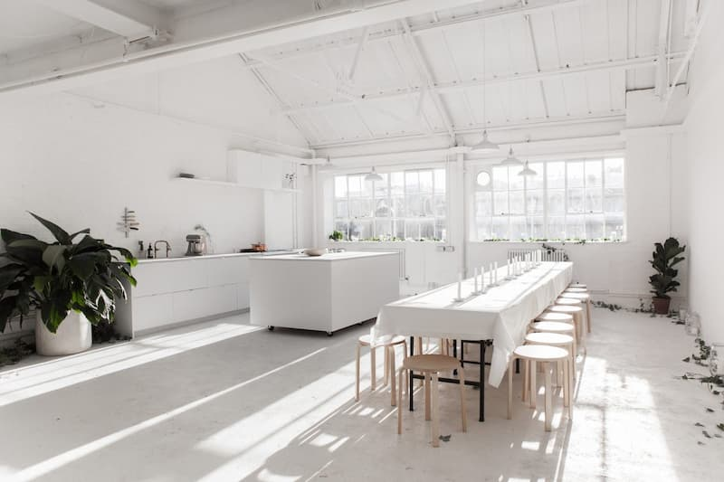 White-Studio-N16 All White Photography Studio - Shootfactory