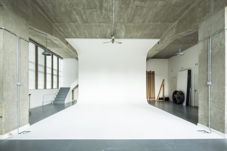 Photography studio in London E5 - SHOOTFACTORY