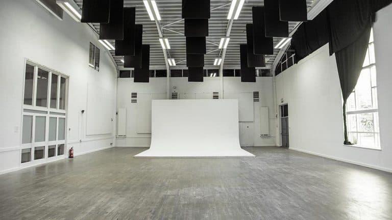 Putini Hall Studio - Photo Studio with Natural Light - Shootfactory