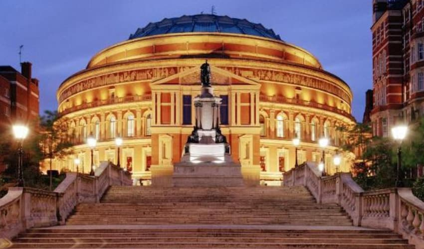 Royal Albert Hall - Instagram Locations in London - Shootfactory