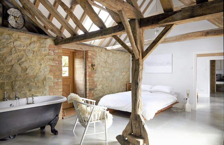 Hythe-Farm-CT21 Barn Conversion Location Bedroom - SHOOTFACTORY