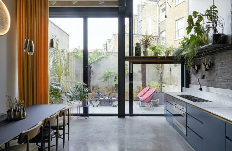 Maker-E9 Courtyard Shoot Location in  London - SHOOTFACTORY