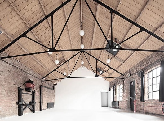 Photography Studio with Natural Light - Kensal Two Studio - Shootfactory
