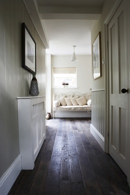 Hallway With Floorboards / Coach House, Windsor, Sl4 / Shootfactory Location